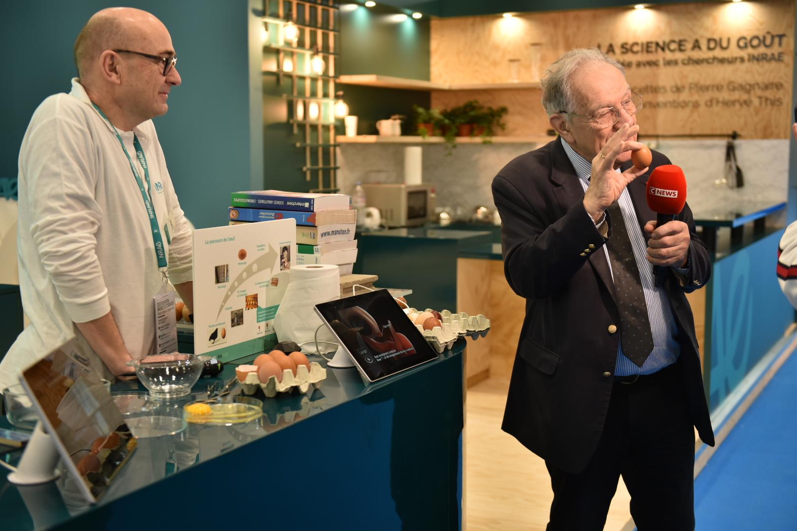 Michel Chevalet en direct sur le stand d'INRAE : entretien avec Joël Gautron