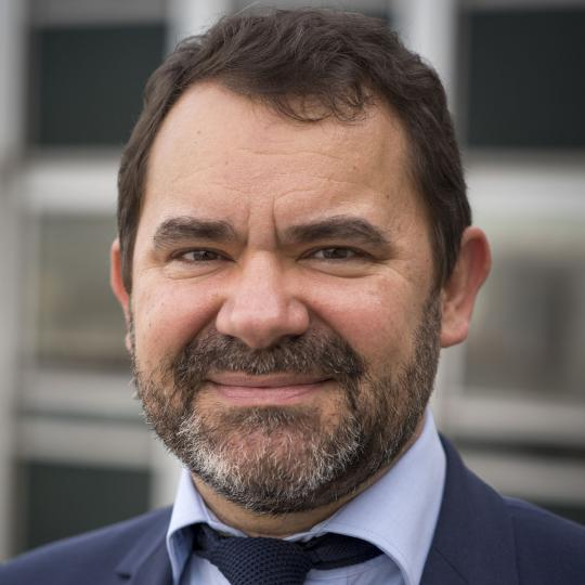 illustration Fabrice Marty, directeur général délégué aux Ressources d'INRAE